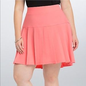 Torrid NWT Pleated Pink Skirt 14 & 18